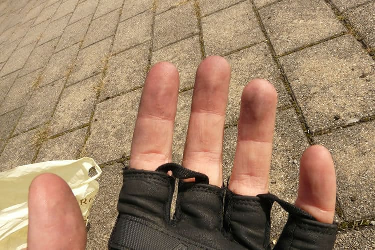 Why to use gloves with wheelchair